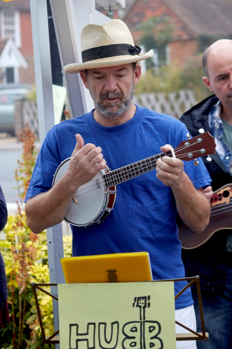 Banjolele Neil Rigby with HUBB